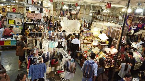 Get crunchtime gifts at Brooklyn flea markets   am New York